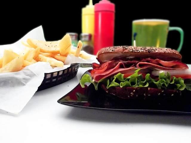 nie jedz fast foodow